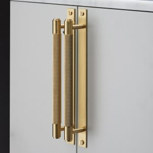 2.-Buster-Punch-hardware_pull-bar-handle-brass-2048x2048-1-300x300